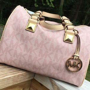 d75a86479 Michael Kors Bags - Michael Kors Pink Signature Grayson